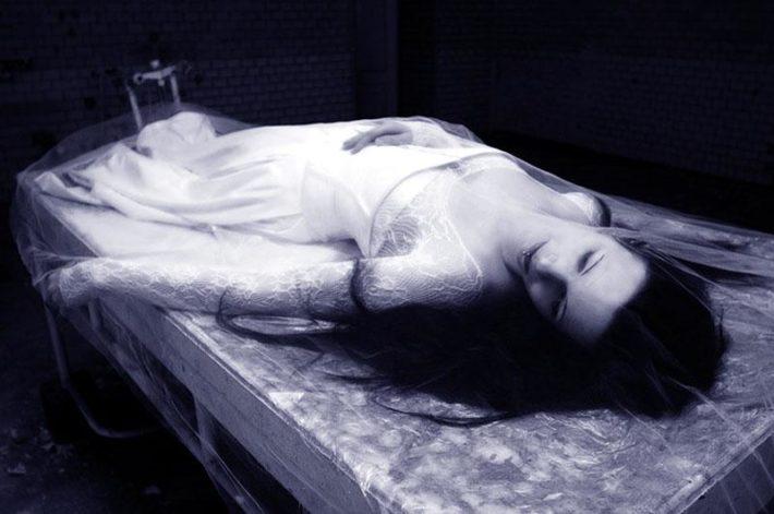 Мертвая девушка в свадебном платье