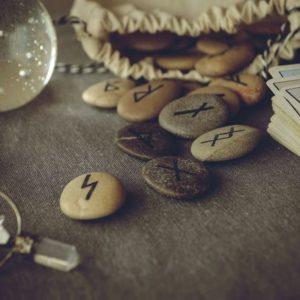 Вернется ли мужчина после расставания: онлайн, бесплатно, на картах и рунах