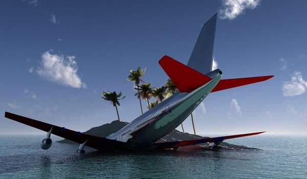 Самолет в море