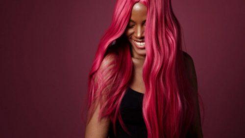 Когда красить волосы