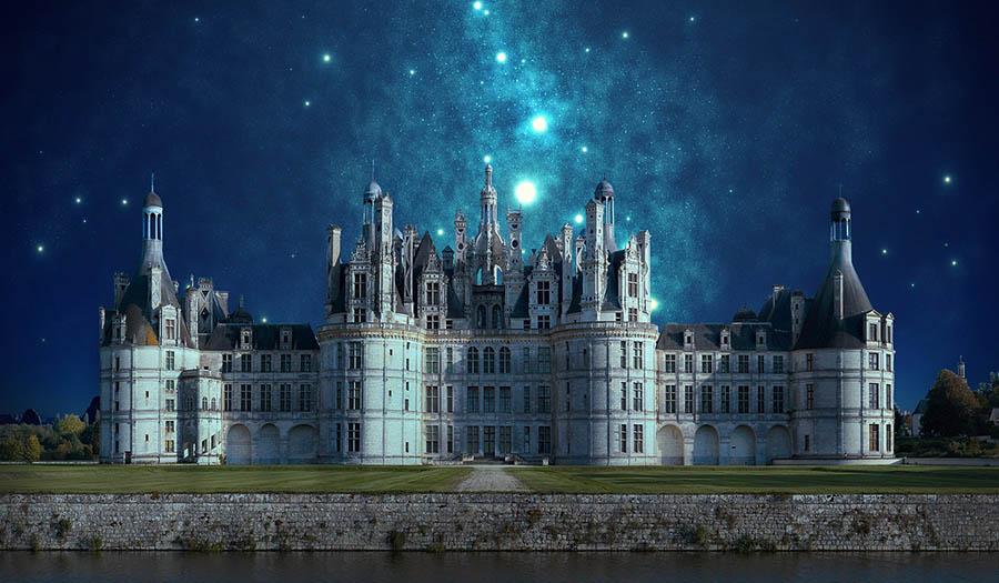 Королевский дворец под звездным небом