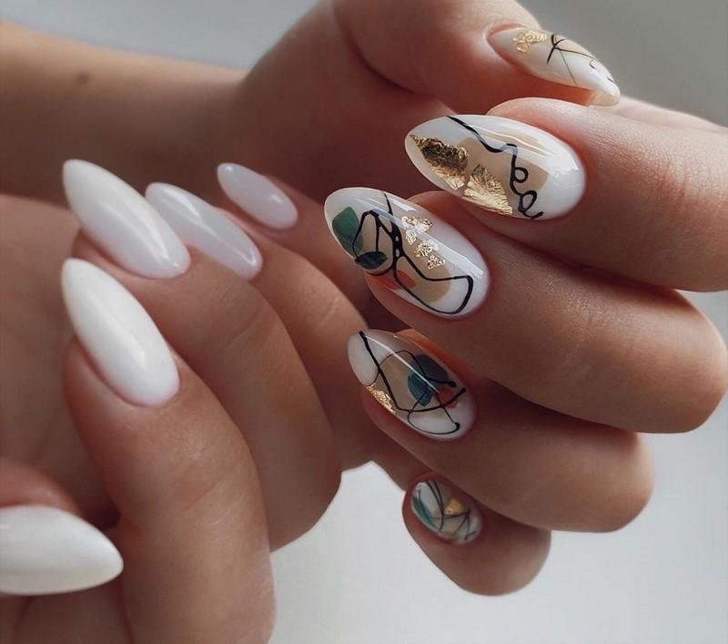 Абстракция на миндалевидных ногтях